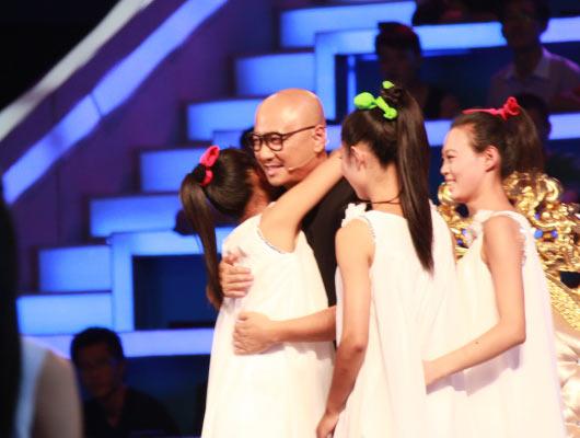 中国丽人:聋哑组合美丽起舞 引全场尖叫