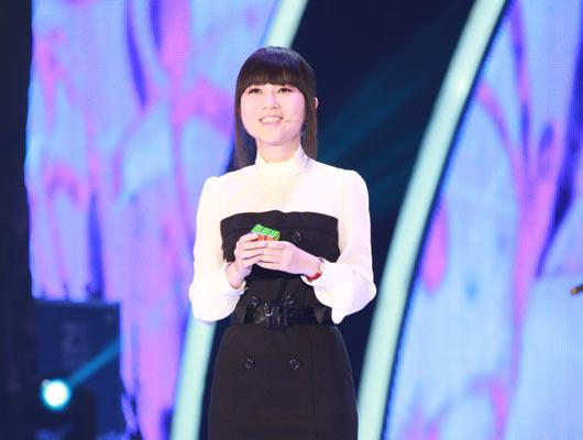 中国丽人:智慧丽人李垚曦 魔方打破WCA世界记录