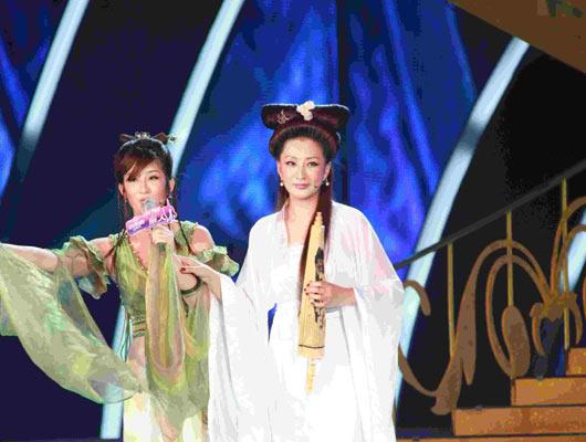中国丽人:保养丽人刘长虹 与女儿似如姐妹花